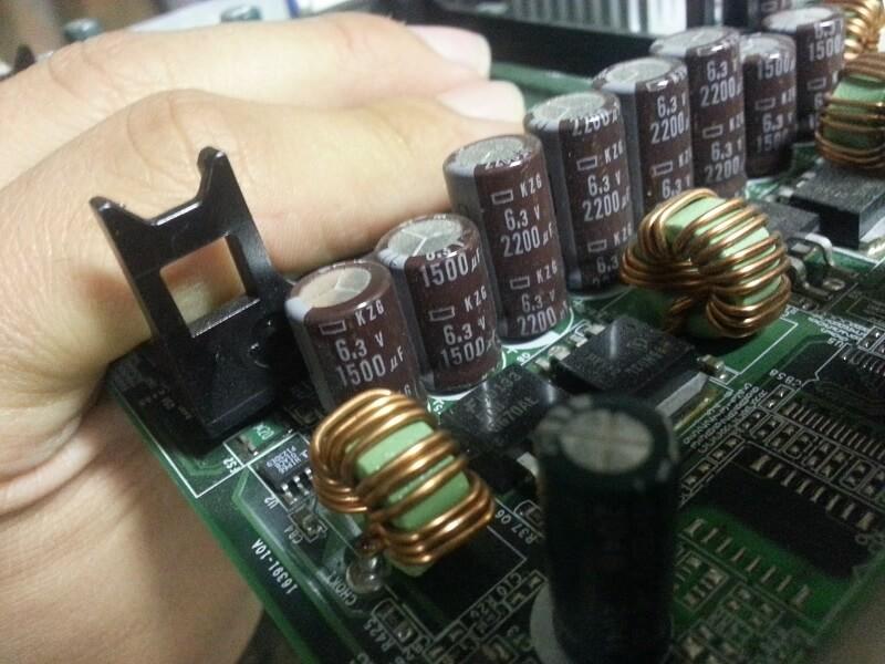 Il sont beaux, ils sont neufs, voici nos condensateurs de remplacement !