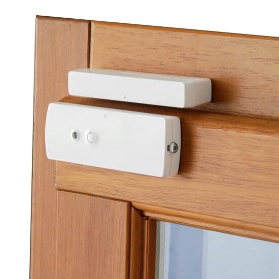 Un détecteur d'ouverture de porte classique