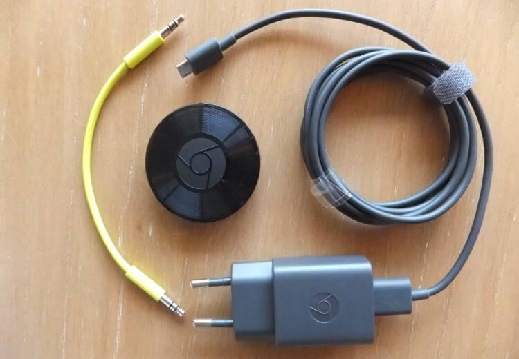 Le contenu du package est minimaliste mais efficace : le chromecast, un chargeur, un câble et... c'est tout !