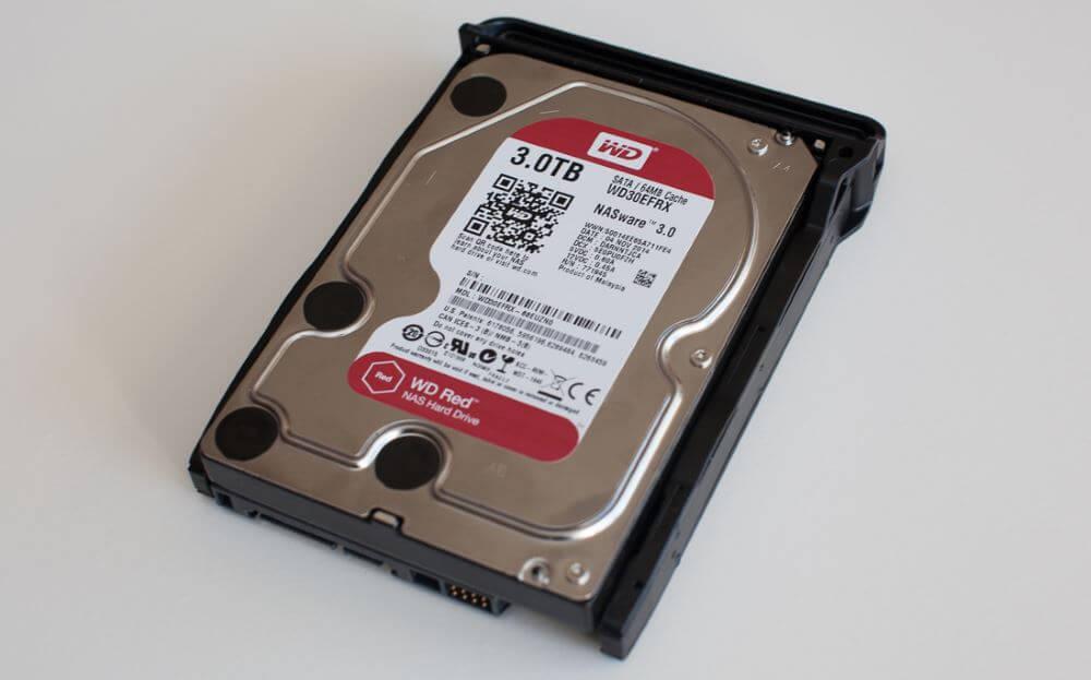 Un disque destiné à un usage NAS de chez Western Digital (modèle Red)